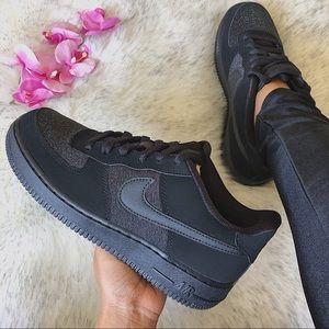 NWT🔥 Rare Nike Air Force 1 LV8 Black 6Y/75W